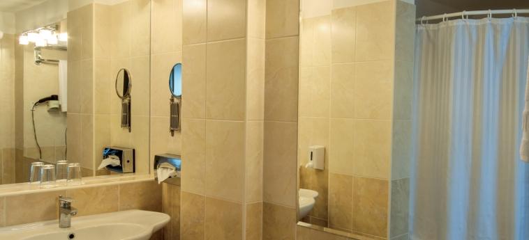 Hunguest Hotel Bal Resort: Badezimmer BALATONALMADI