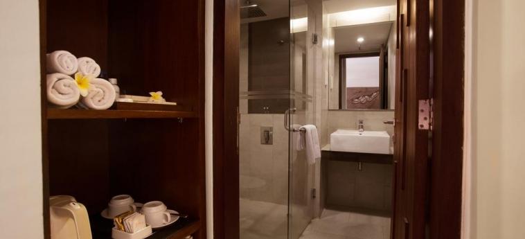 Sense Hotel Seminyak: Bathroom BALI
