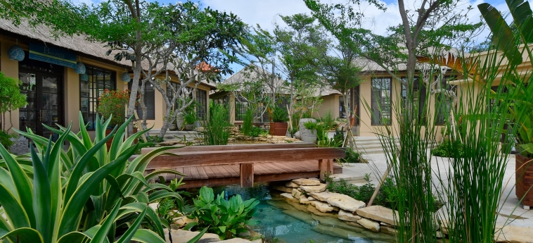 Hotel The Villas At Ayana Resort : Garten BALI