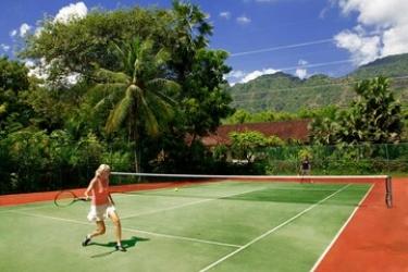 Hotel Matahari Beach Resort & Spa: Campo da Tennis BALI