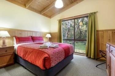 Hotel Countrywide Cottages: Fussballplatz BAMBRA - VICTORIA