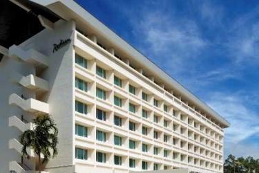 Radisson Hotel Brunei Darussalam: Exterior BANDAR SERI BEGAWAN