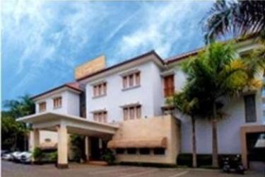 Hotel New Sanyrosa: Exterior BANDUNG