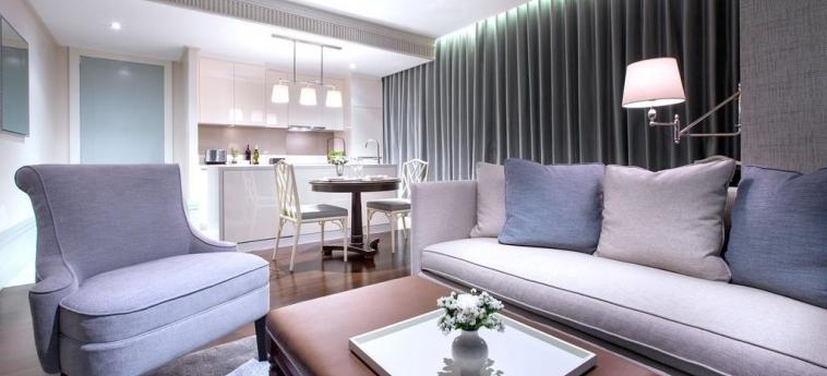 Hotel Oriental Residence Bangkok: Wohnzimmer BANGKOK