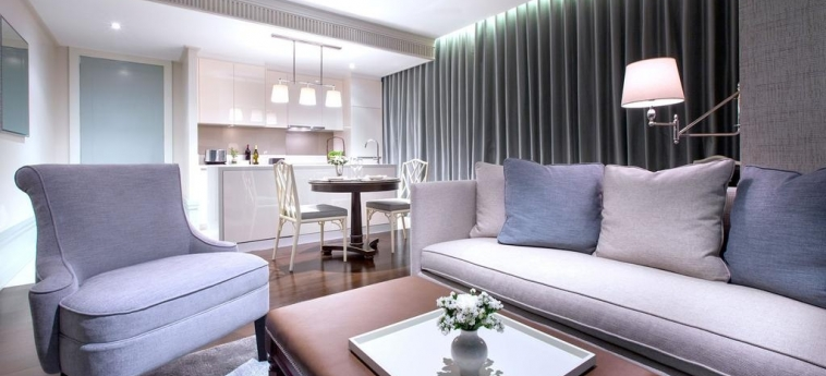 Hotel Oriental Residence Bangkok: Living Room BANGKOK
