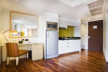 Hotel Urbana Langsuan Bangkok: Cocina pequeña en la habitacion BANGKOK