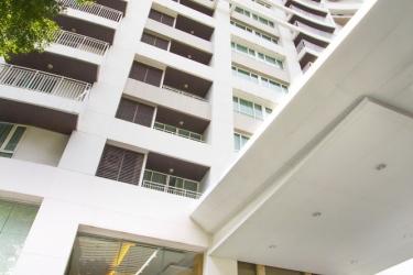 Hotel Urbana Langsuan Bangkok: Frente Hotel BANGKOK