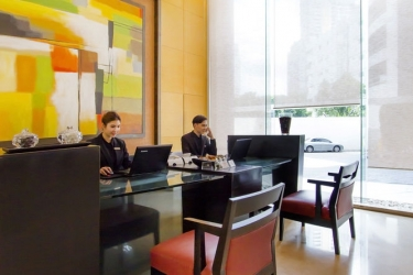 Hotel Urbana Langsuan Bangkok: Reception BANGKOK