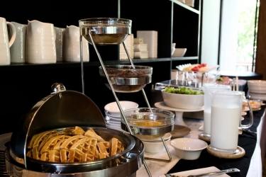 Hotel Urbana Langsuan Bangkok: Zona de desayuno BANGKOK
