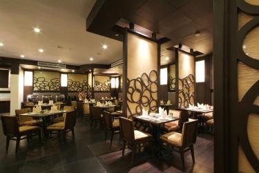 Amora Neoluxe Hotel: Restaurante BANGKOK