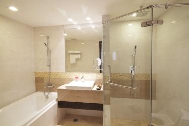 Amora Neoluxe Hotel: Badezimmer BANGKOK