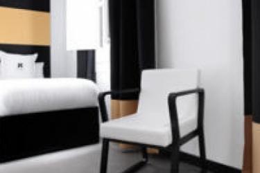 Hotel Amra Barcelona Caspe: Piscina Exterior BARCELONA