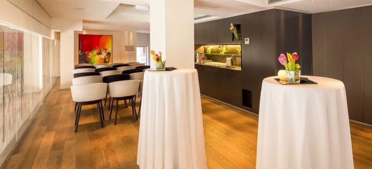 Hotel Ohla Barcelona: Interior BARCELONA
