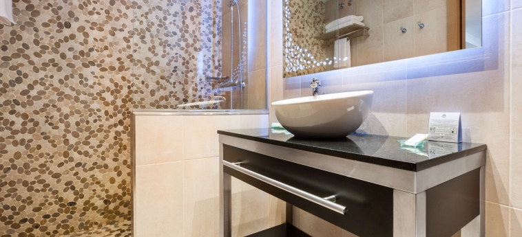 Gran Hotel Barcino: Salle de Bains BARCELONE