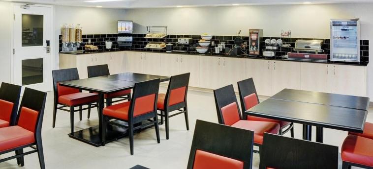 Hotel Comfort Inn Barrie: Breakfast Room BARRIE - ONTARIO
