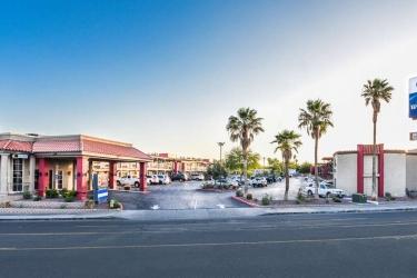Hotel Best Western Desert Villa: Extérieur BARSTOW (CA)