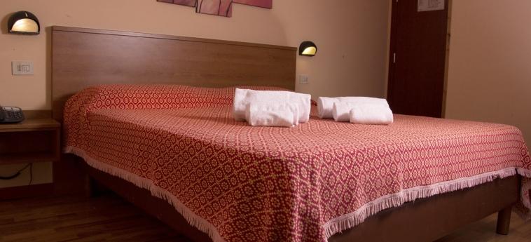 Hotel Turim: Bedroom BASTIA UMBRA - PERUGIA