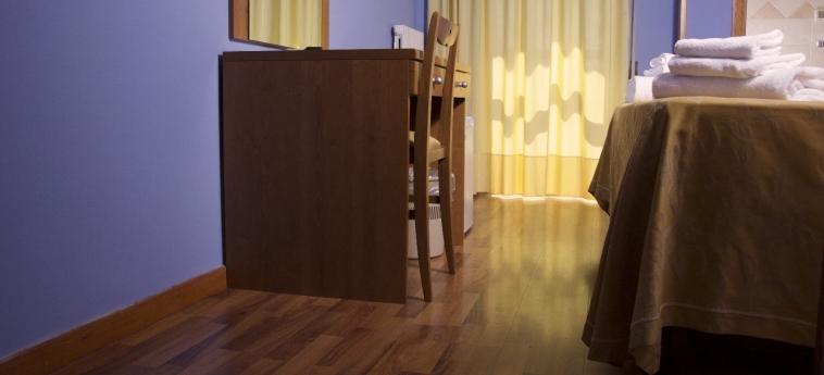 Hotel Turim: Writing desk BASTIA UMBRA - PERUGIA