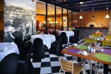 Hotel Panorama Regency: Restaurante BATAM ISLAND