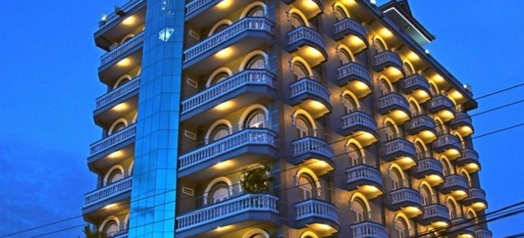 King Fy Hotel: Außen BATTAMBANG