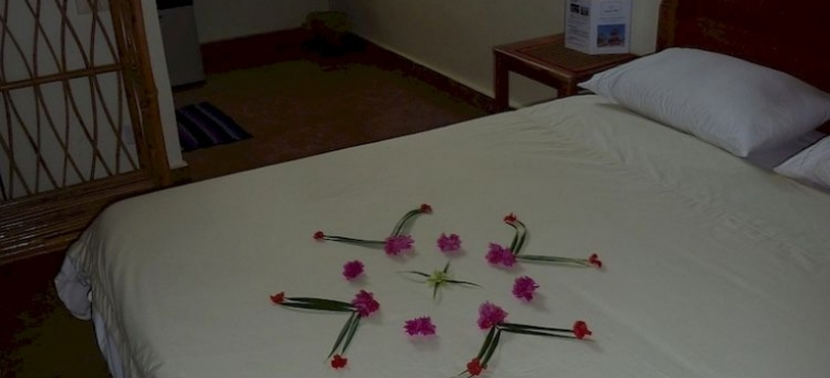 Hotel Sangker Villa: Habitación de Lujo BATTAMBANG