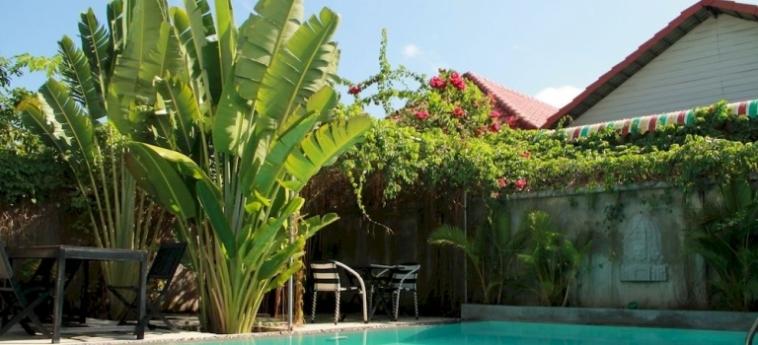 Hotel Sangker Villa: Campo da Tennis BATTAMBANG