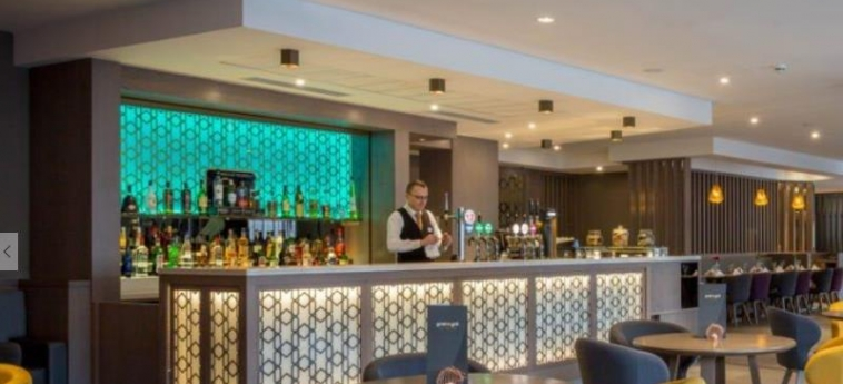Maldron Hotel Belfast City: Champ de Golf BELFAST