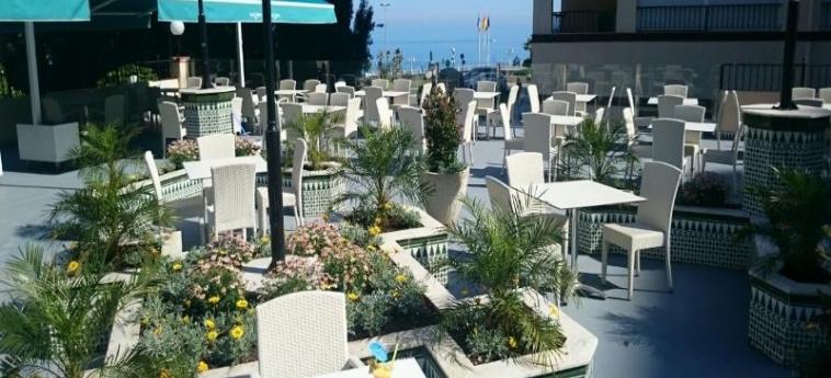 Hotel First Flatotel International: Terrazza BENALMADENA - COSTA DEL SOL