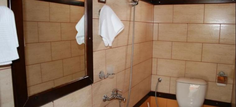 Hotel Castle Park: Badezimmer BERAT