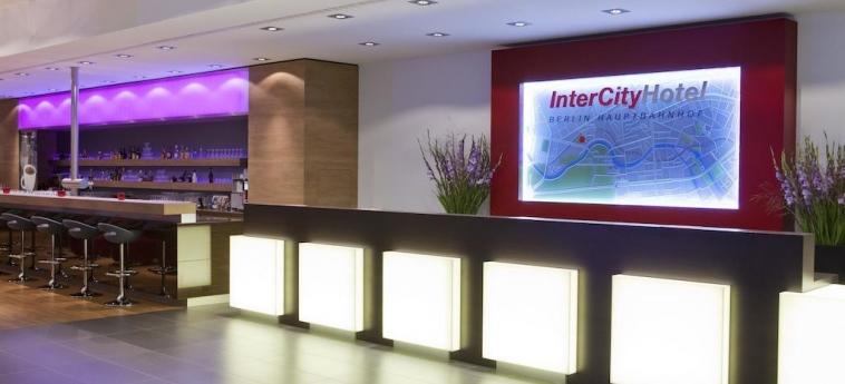 Intercityhotel Berlin Hauptbahnhof: Reception BERLIN