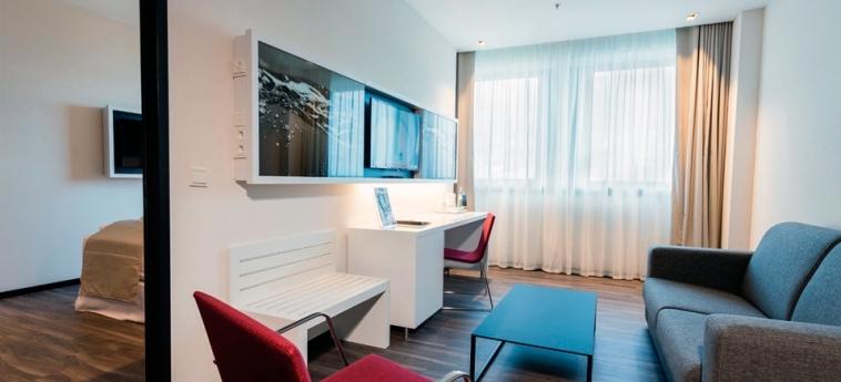 Hotel Riu Plaza Berlin: Gastzimmer Blick BERLIN