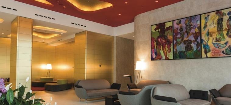 Hotel Riu Plaza Berlin: Hotelhalle BERLIN