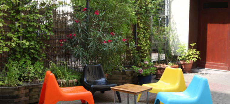 Acama Schoneberg – Hotel+Hostel: Garden BERLIN