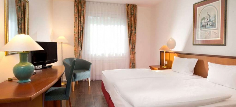 Hotel Wyndham Garden Hennigsdorf Berlin: Chanbre BERLIN