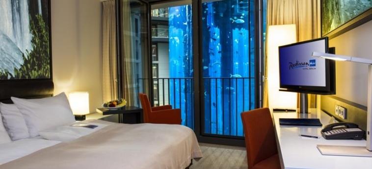 Hotel Radisson Blu: Camera Matrimoniale/Doppia BERLINO