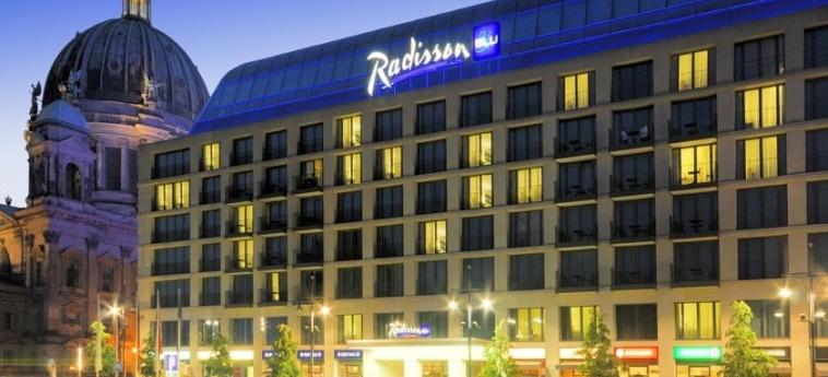 Hotel Radisson Blu: Esterno BERLINO
