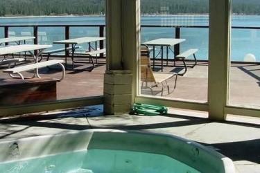Hotel Lagonita Lodge: Piscine chauffée BIG BEAR LAKE (CA)