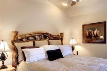 Hotel Marina Resort: Putting Green BIG BEAR LAKE (CA)