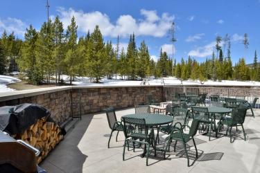 Hotel The Lodge At Big Sky: Terrasse/Patio BIG SKY (MT)