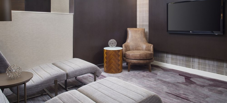 Hotel Courtyard Birmingham Homewood: Living area BIRMINGHAM (AL)