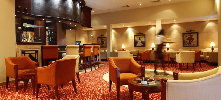 Hotel Ledger Plaza Bissau: Außen Restaurant BISSAU