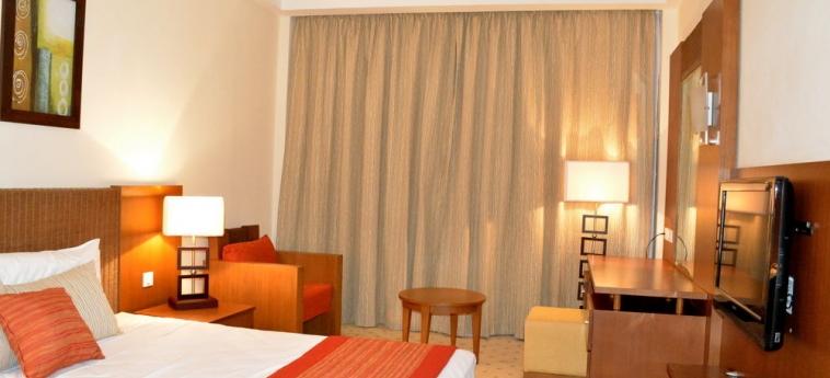 Hotel Ledger Plaza Bissau: Tennisplatz BISSAU