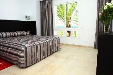 Andalucia Beach Hotel Residence: Wine Cellar BIZERTE