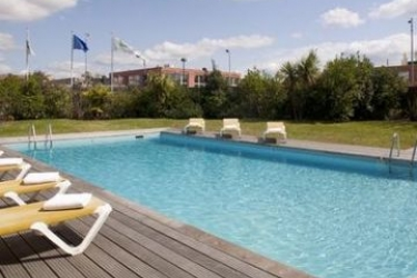 Hotel Holiday Inn Toulouse Airport: Außenschwimmbad BLAGNAC