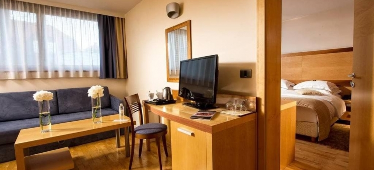 Best Western Premier Hotel Lovec: Chanbre BLED