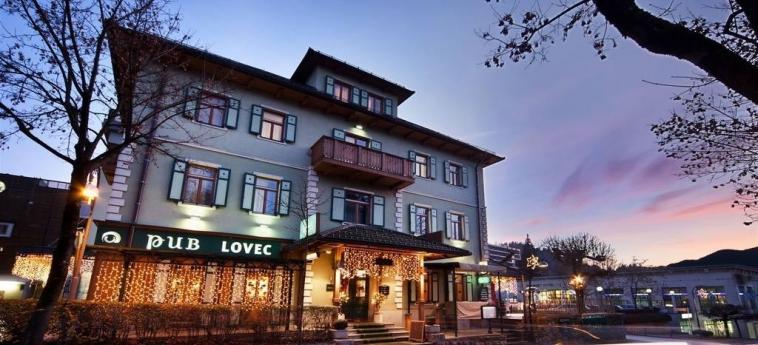 Best Western Premier Hotel Lovec: Pub BLED