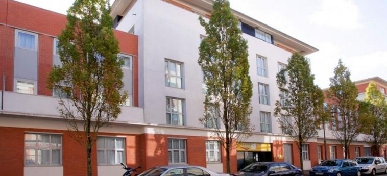 Hotel Appart'city Blois: Exterior BLOIS