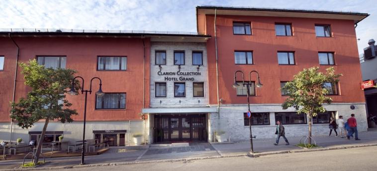 Clarion Collection Hotel Grand Bodo: Hotel Davor-Abend/Nacht BODO