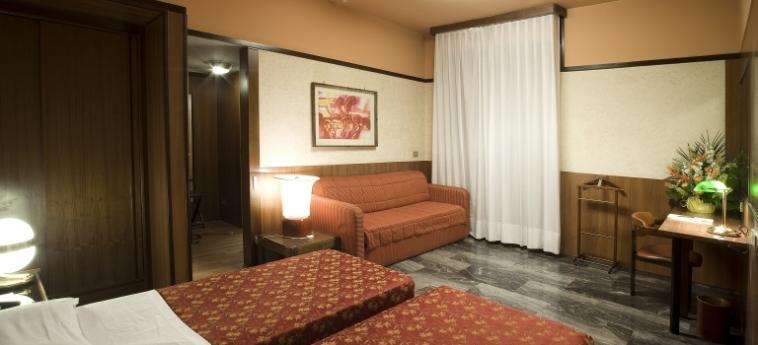 Grand Hotel Elite: Chambre jumeau BOLOGNE