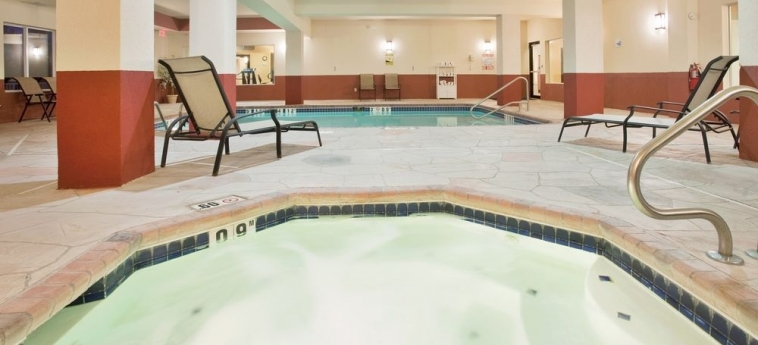 Hotel Holiday Inn Express: Piscine chauffée BOONVILLE (MO)